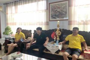 """中国鸽坛""""奥运""""圣火传递至辽宁翔冠赛鸽公棚"""